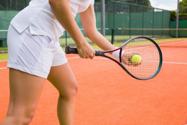 ¿Qué es la epicondilitis o codo de tenista? Síntomas, tratamiento y ejercicios